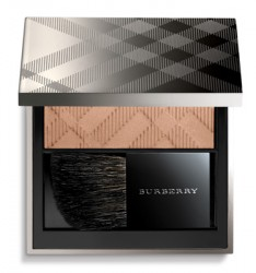 burberry_fresh_glow_compact_foundation.png