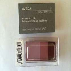 aveda_petal_essence_eye_color_trio_994_earth_rose.png