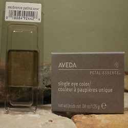 aveda_petal_essence_single_eye_color_-990_bronze_patina.png