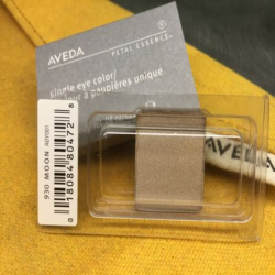 aveda_petal_essence_single_eye_color_930_moon.png
