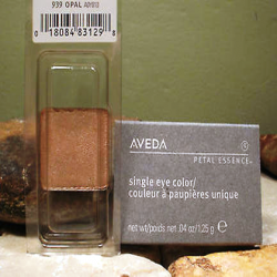 aveda_petal_essence_single_eye_color_939_opal.png