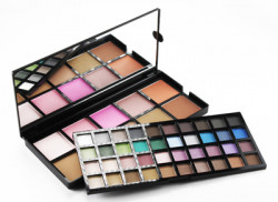 elf_elf_Studio_50_Piece_Makeup_Artist_Palette